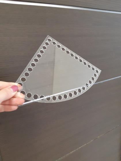 Прозрачное донышко из оргстекла, четверть круга 15 см